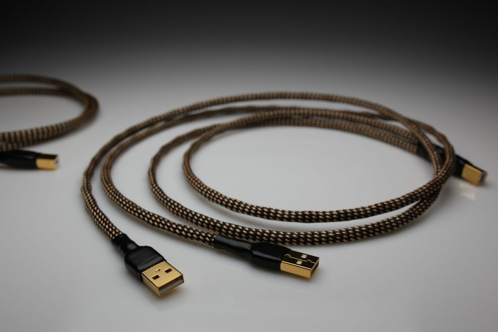 Ultimate pure Silver Dual Headed USB interconnect cable by Lavricables
