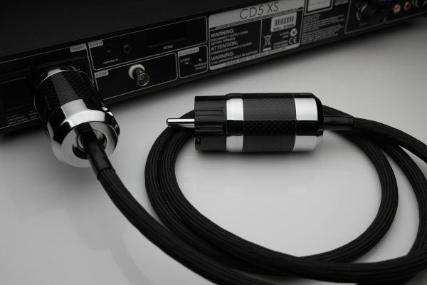 Ultimate pure Silver mains EU or UK power cable by Lavricables