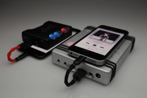 Reference Silver Lightning to Chord Hugo Mojo interconnect cable by Lavricables