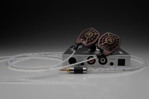 Reference pure Silver Audeze LCD-i4 iSine 10 20 iem upgrade cable by Lavricables