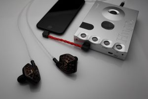Reference pure Silver iphone Lightning to Chord Hugo Mojo AudioQuest DragonFly Black Red Cobalt interconnect IC cable by Lavricables v2.0