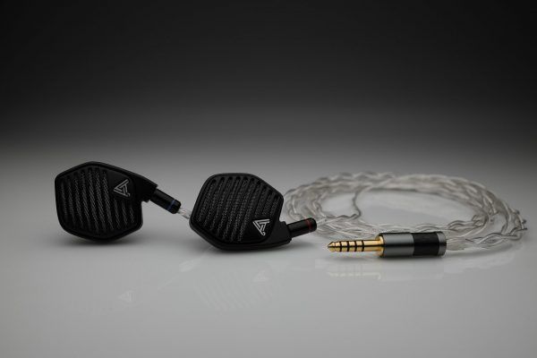 Ultimate Silver Audeze iSine LCD-i3 LCD-i4 iSine 10 20 LCDi3 LCDi4 multistrand litz awg25 iem upgrade cable by Lavricables